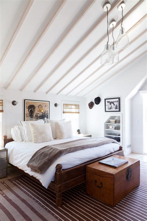 Vaulted Ceiling Photos, Design, Ideas, Remodel, and Decor