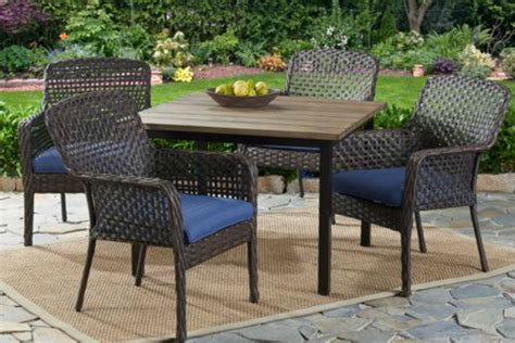 Up to 60% Off Outdoor Dining Sets at Walmart + Free Delivery