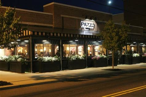 Pazzo's Enclosed Patio - Picture of Pazzo Restaurant, Red