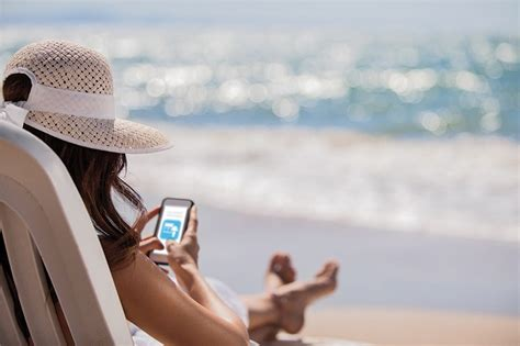 How to Keep Your Smartphone Safe from Summer Heat, Sun