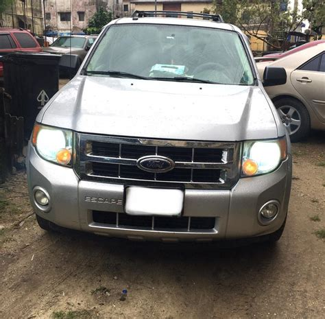 Clean Used 2009 Ford Escape 4WD [buy&drive] SLIGHTLY