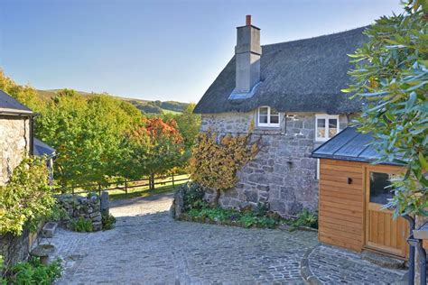 Five spectacularly pretty English country cottages for